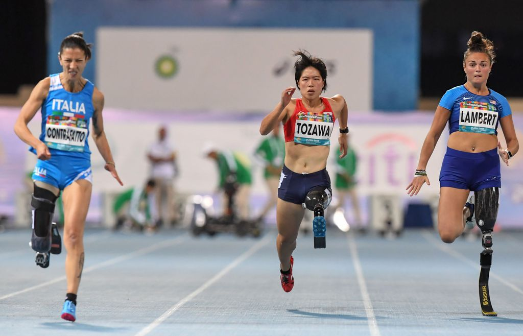 """Boston Globe – """"UMass Lowell Athlete Who Lost Her Leg Hopes to Race in Tokyo Paralympic Games"""""""